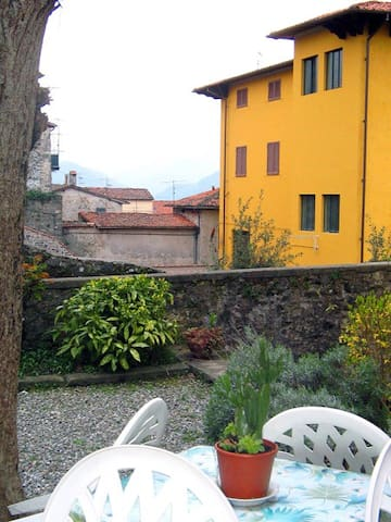 "In the heart of ""Barga Vecchia"" - Barga - Appartement"