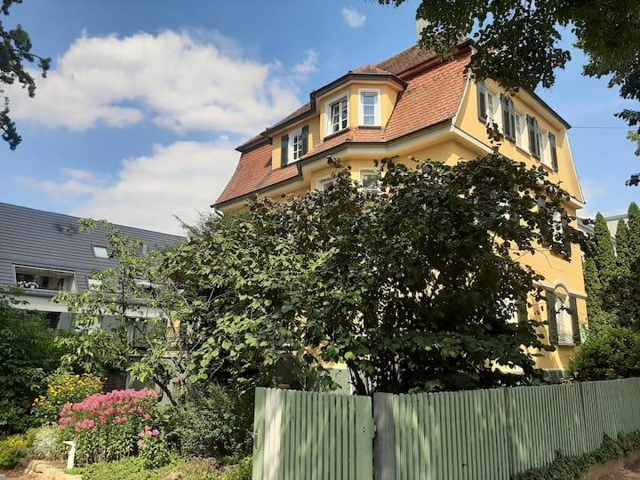 Jugendstilwohnung in Schlossnähe