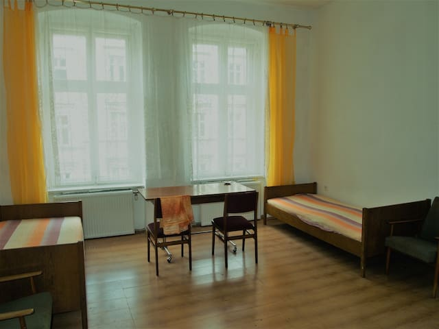 Katowice city center two beds room to rent