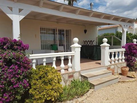 Romeral, warm home with a spacious garden