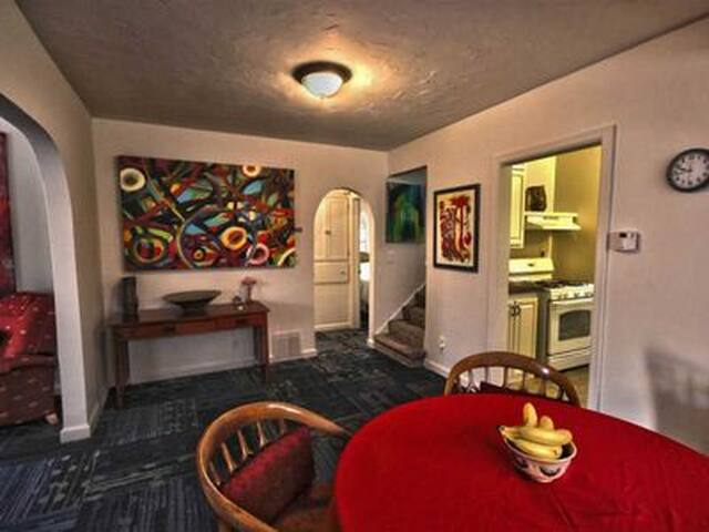 Dinning Room & Art Gallery in Litsey's Apartment/Home all new carpet and kitchen. 2- Bedrooms, full kitchen, over 950 sq. ft. lots of room. Designed by you host International Artist: Mr. Brent Litsey