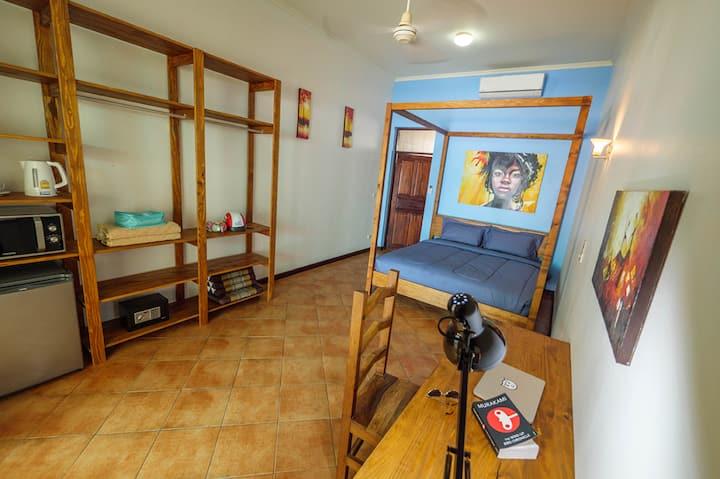 Baan Jai Dee Studio Apartments