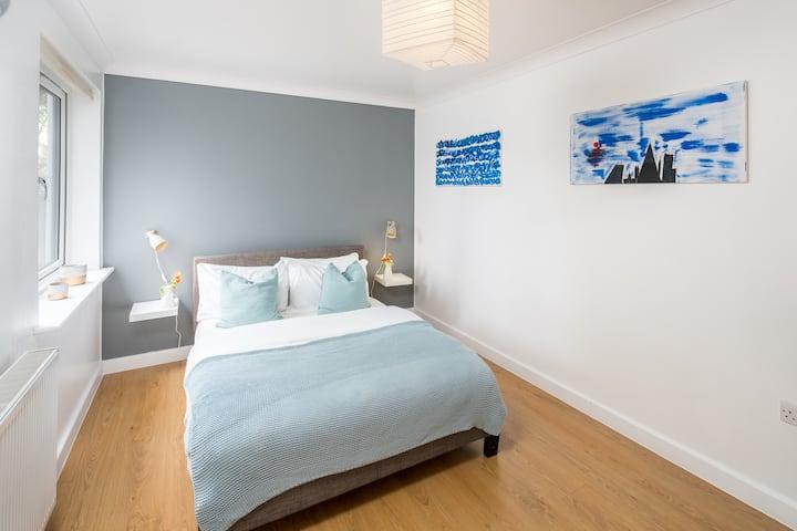 Modern 2 bed  flat in Kensal Green, London