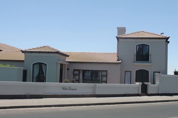 Villa Laguna  Bed & Breakfast - Walvis Bay - Szoba reggelivel
