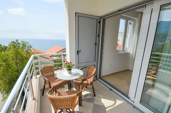 Apartments Ivanovic - Studio with sea view