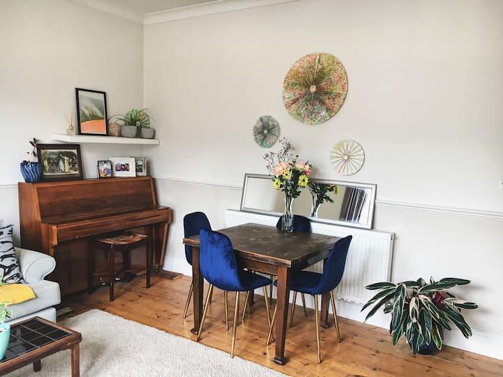 Stylish Victorian garden flat - spacious, 2bed