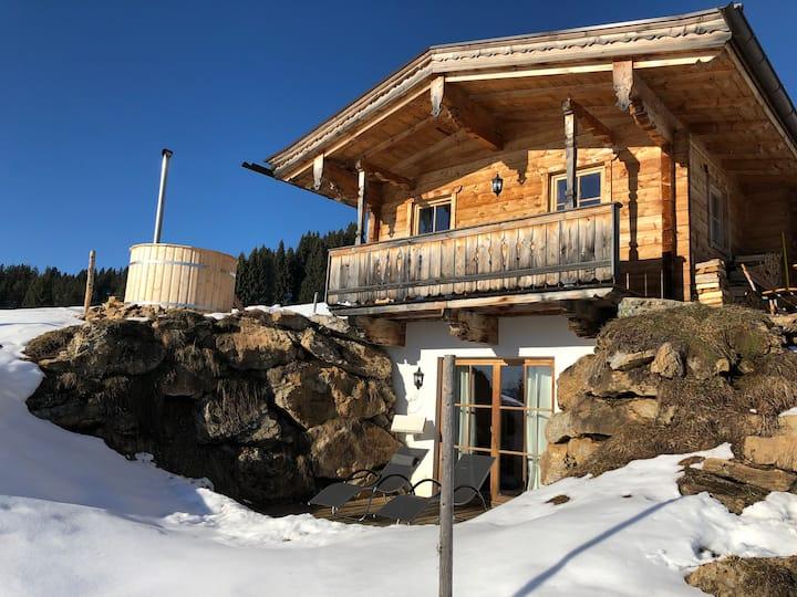 Chalet in den Kitzbüheler Alpen, Ski-in/Ski-out