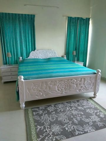 Independent n spacious one Bhk,20mts to airport.