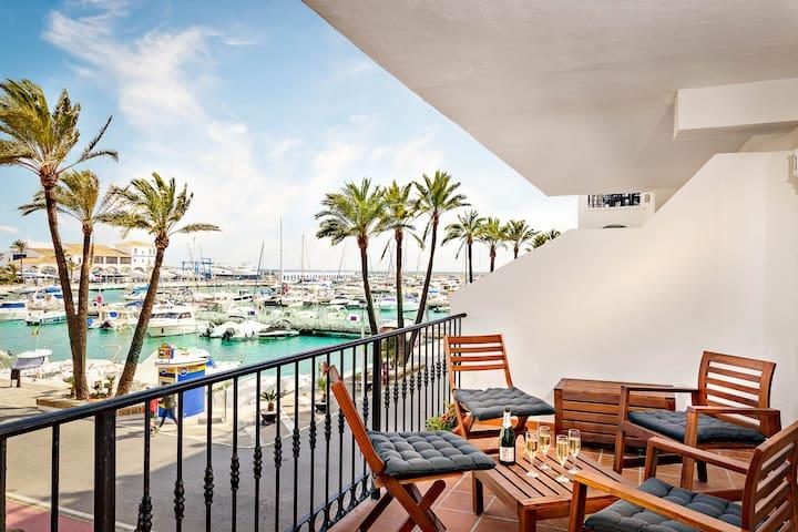 Modern appartement in jachthaven met zeezicht