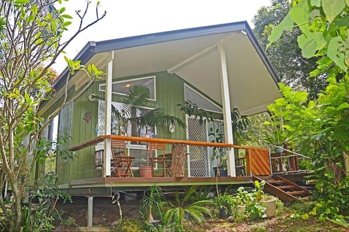Macadamia Farm Cottage.