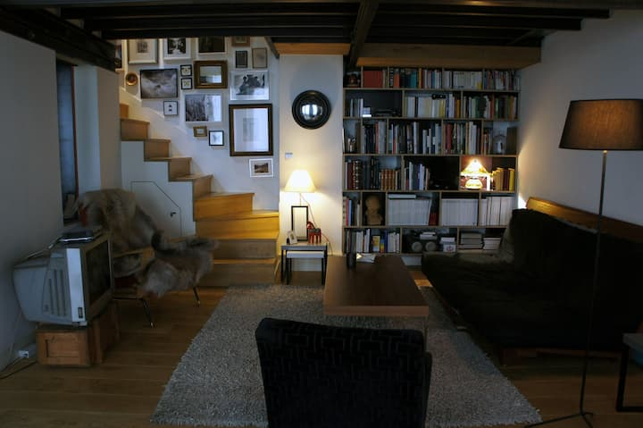 Loft in the heart of Asnieres - 60 sq.m/645 sq.ft