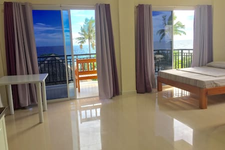 """"""" Pearl Resort """" Bikini beach-front - Dauis"""
