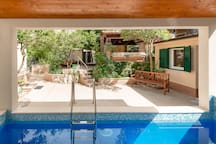 Villa Roza with Pool House
