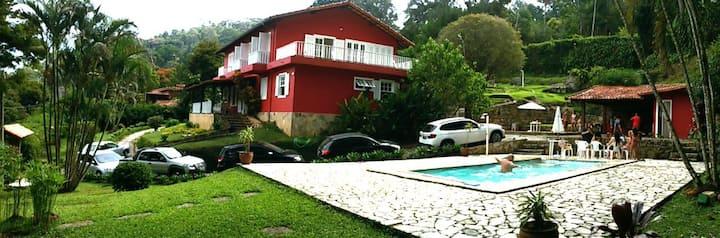 Sítio em Itaipava: tranquilidade e proximidade