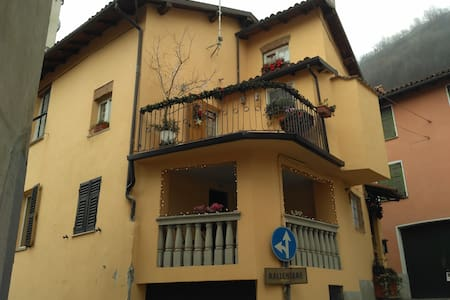 BeB Albicocco Gavi - Gavi - Bed & Breakfast