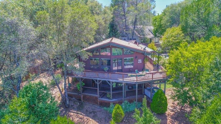 Beautiful Home in Sutter Creek w/ views, vineyards