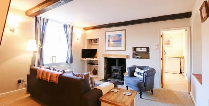 Cosy and charming Character cottage