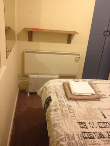 Cozy Double bedroom in the heart of temple Bar