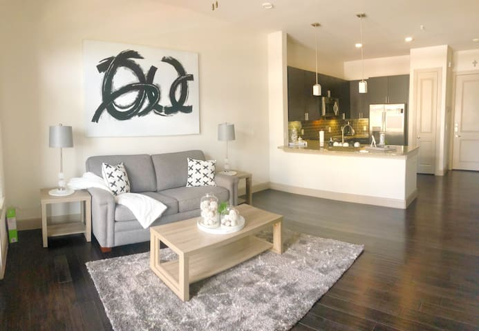 Modern, luxury, city feel with at-home vibe!