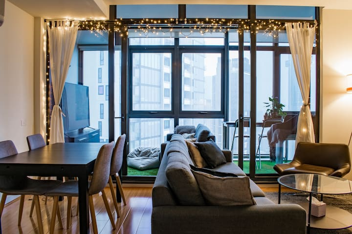 Santisied Daily: Southbank City Apt + Amazing View
