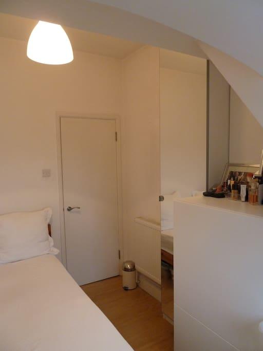 Cosy, bright bedroom