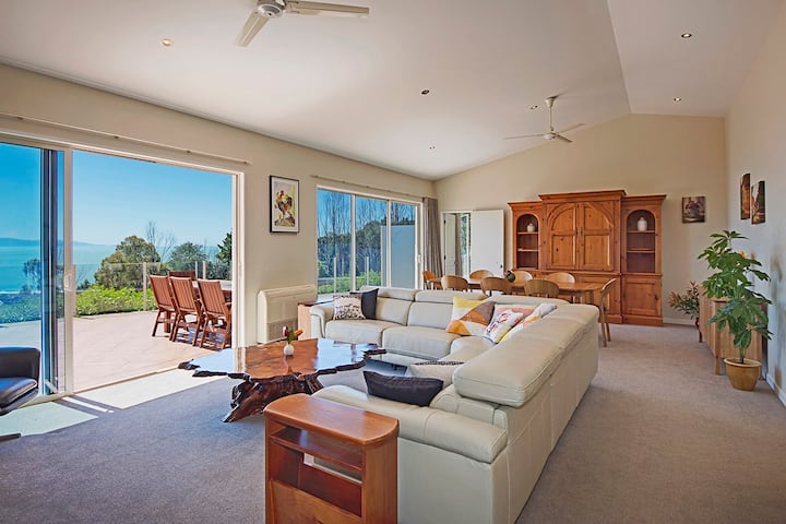 Seabreeze (3 Bedroom) - Nelson Holiday Home