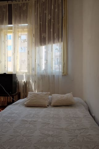 Cosy Private Bedroom in the Heart of Sofia