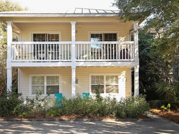 Blue Paradise - 60 seconds to beach entrance! 2 blocks to Seaside!