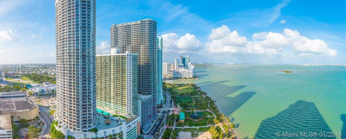 Downtown Miami 2 Bedroom & 2 Bath