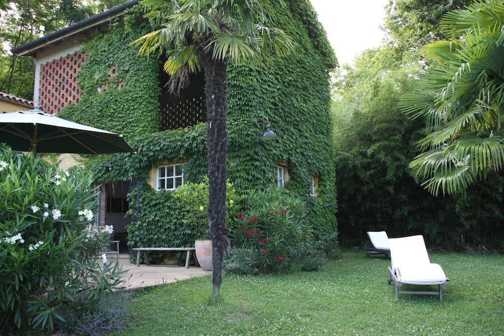 landhaus im gr nen mit bocciabahn casa in campagna case in affitto a cormons friuli venezia. Black Bedroom Furniture Sets. Home Design Ideas