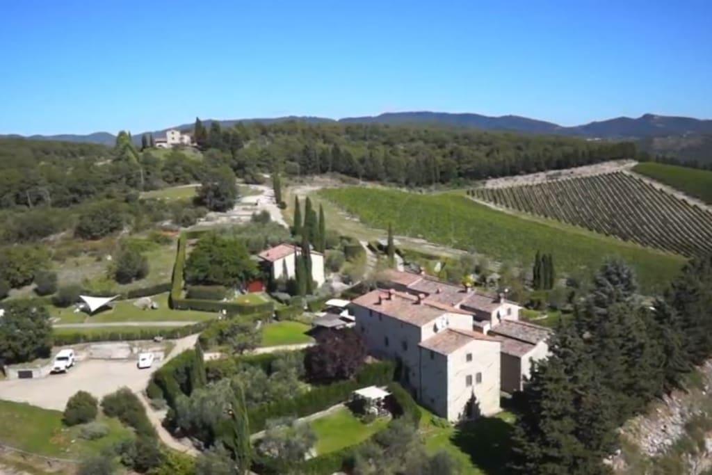 Foto dall'alto del Borgo / Overview of Borgo Capannole