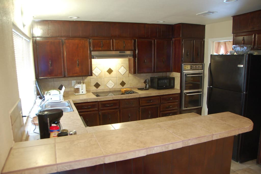 Be a chef. Filet, dice, wine and dine in the spacious kitchen. Cook a meal or delight in a complimentary snack or beverage from the refrigerator.