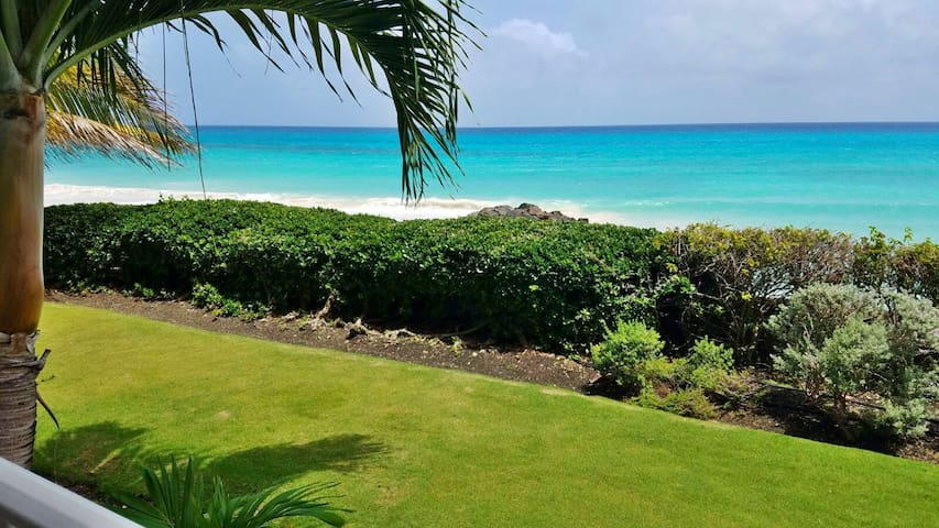 Unbeatable sea views, along with a garden space in front of the apartment that is great for kids