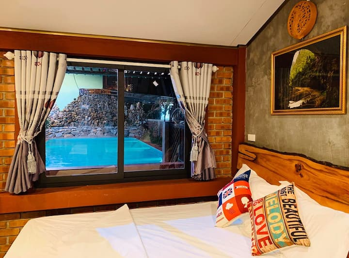 Double room for 2 people with  the pool view