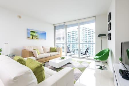 Waterfront Spacious Luxury 1 Bedroom IconBrickell