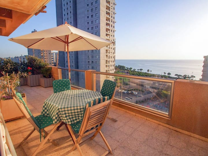 Sea View Penthouse - 4 Bedrooms, huge balcony