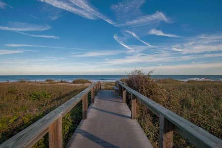 Oceanview Condo - Sleeps 4! - Cape Canaveral