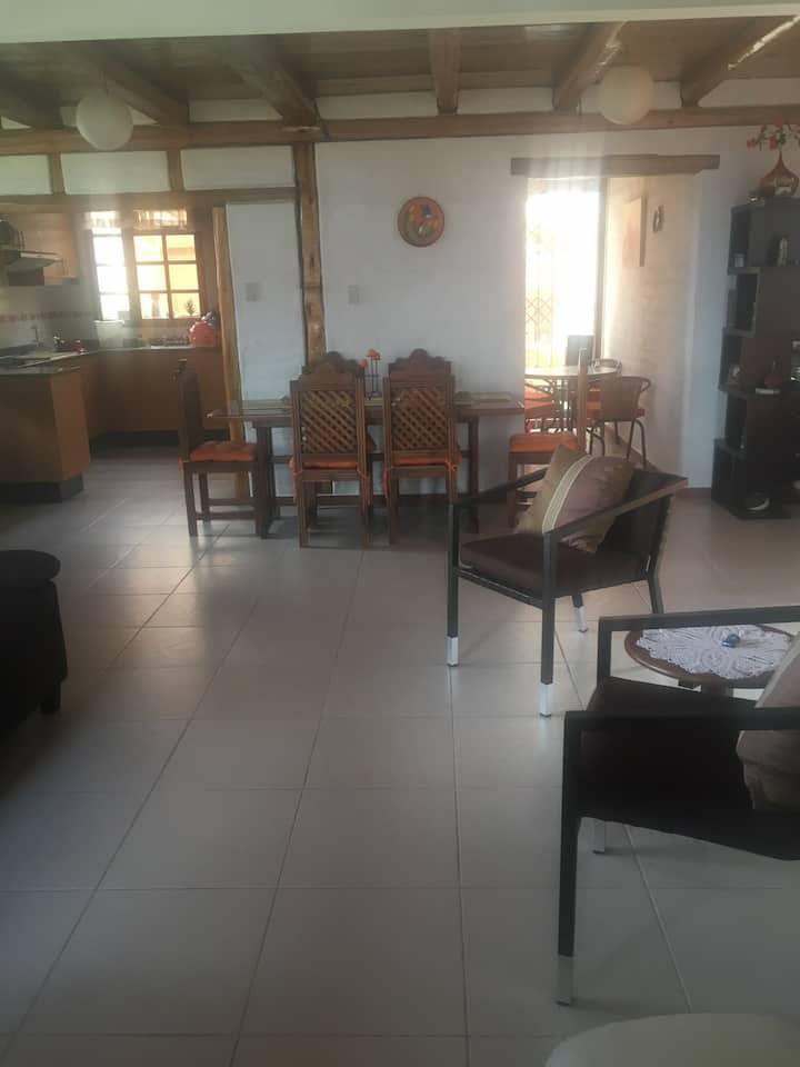 Linda casa en Tumbaco