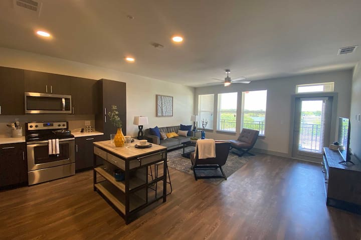 Carrollton apartment with golf course view