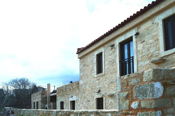 Oak Grove Stone Villa - Agia Varvara