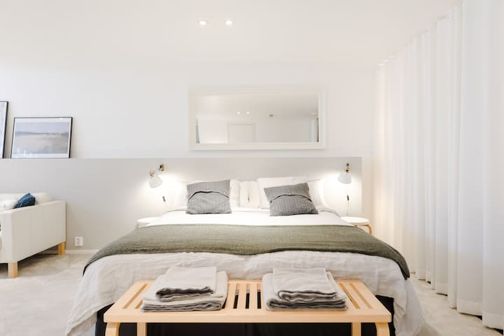 We provide bedlinen, towels and other essentials to our guests