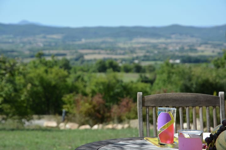 Luxury villa with private pool, panoramic views over the border of the Ardèche
