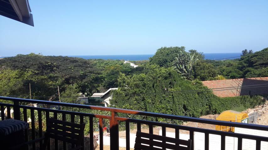 Akanya Lodge and Home - Durban North - House