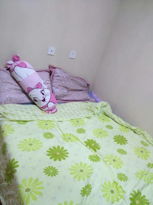 一米五的床温馨舒适。