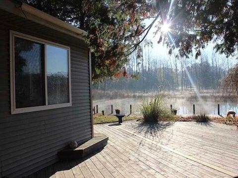 Sunshine Cottage on Crooked River - Alanson, MI