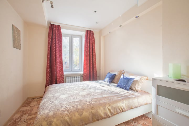 Cozy and bright room for 2 in the center of Moscow