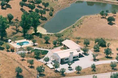Casa com piscina no Alentejo - Montemor-o-Novo - Villa