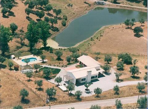 Casa com piscina no Alentejo