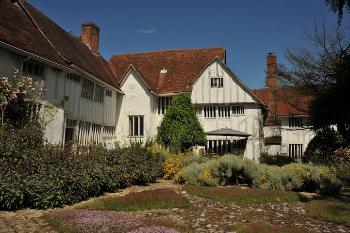 Beautiful converted Dairy in the heart of Lavenham - Lavenham - Casa