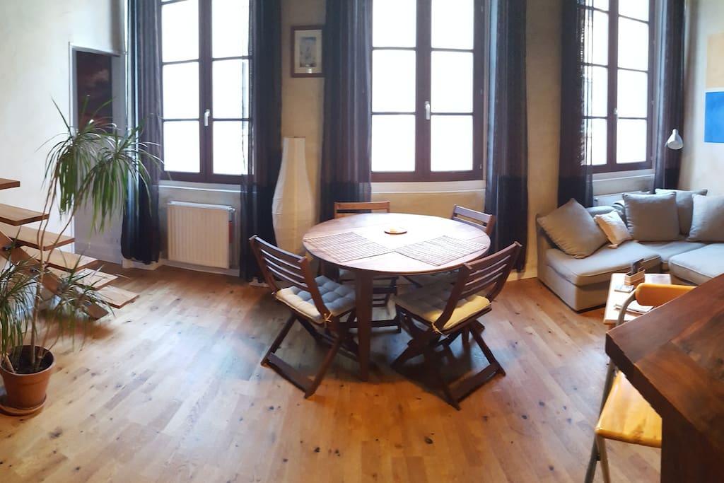 nid douillet au c ur de la croix rousse apartamentos en. Black Bedroom Furniture Sets. Home Design Ideas